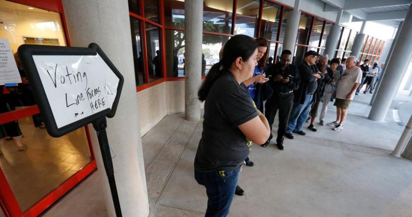 Texas Voting Lines